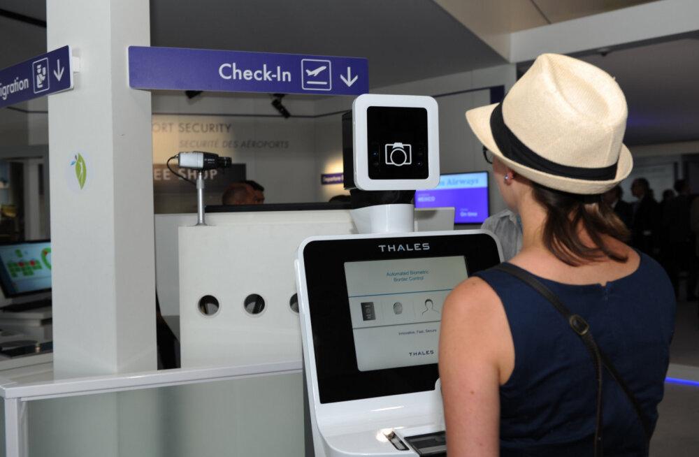 Впервые в Прибалтике! В аэропорту Вильнюса установлены рамочные смарт-детекторы для досмотра пассажиров