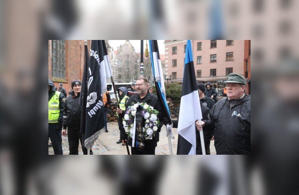 ФОТО и ВИДЕО: На мероприятия памяти латышских легионеров в Риге собралось более 1000 человек