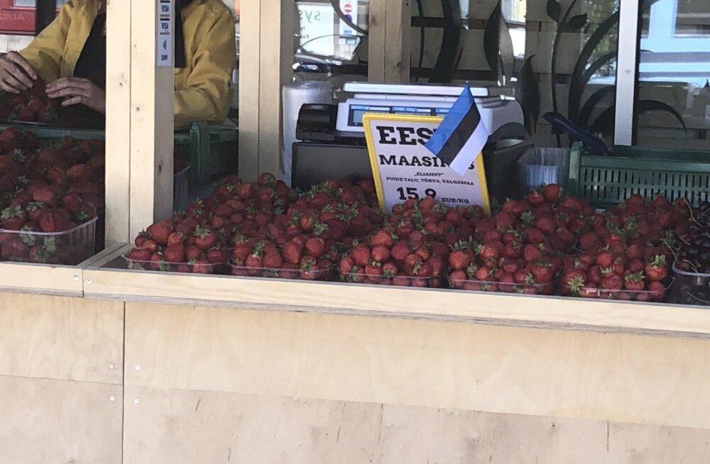Eesti maasikas Põhja Rimi parklas