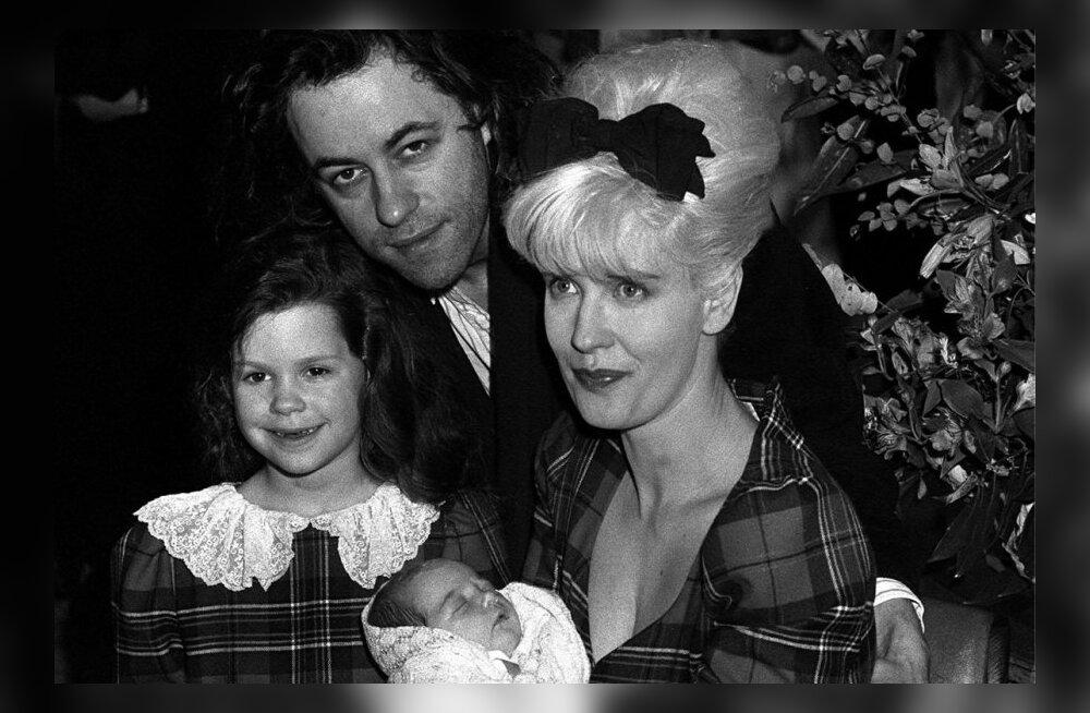 Perekond Geldofid 89. aastal - Isa Paul, ema Paula,vastsündinud Peaches ja vanem õde Fifi