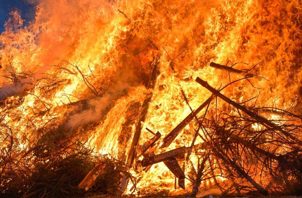 В Пакистане в результате возгорания бензовоза погибли более 120 человек