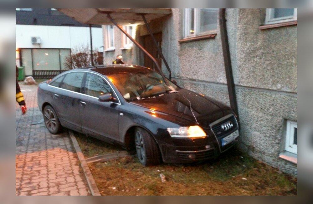 Rakvere Laada tänava avarii