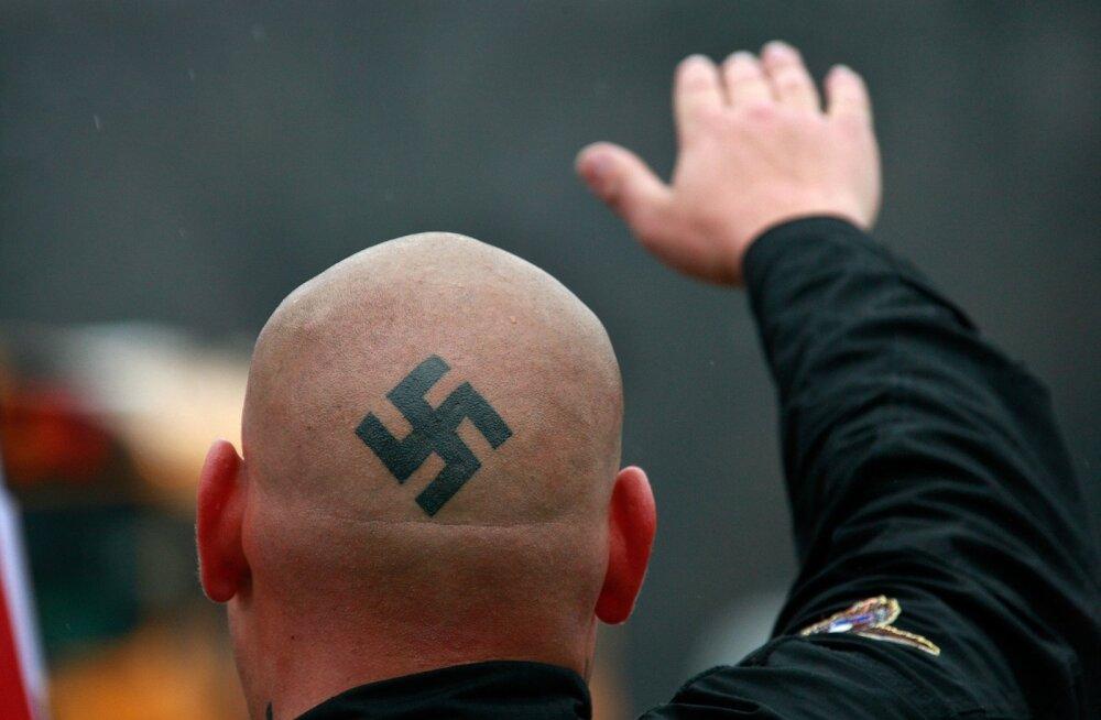 Saksa kohus mõistis neonatsi Hitleri-tervituse eest viieks kuuks vangi