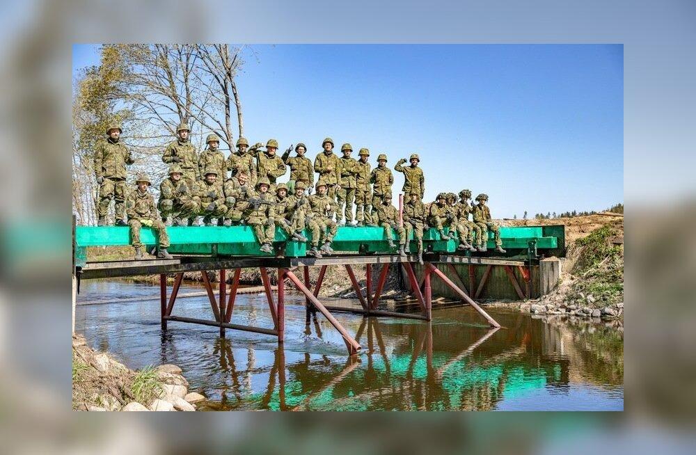 Pioneerid rajasid silla üle Kunda jõe