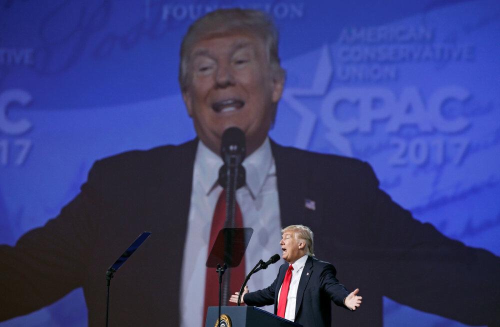 Trump naaseb suurüritusel avalikkuse ette, külvates erakonnakaaslaste seas segadust