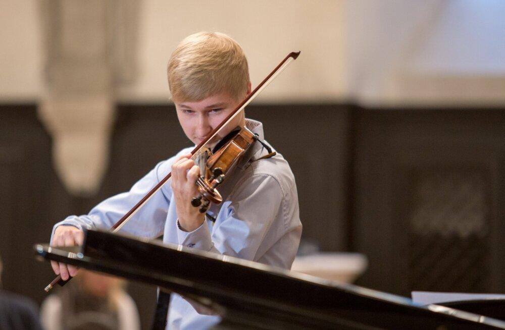 Коллекция Эстонского фонда музыкальных инструментов пополнилась скрипкой, которой более 400 лет