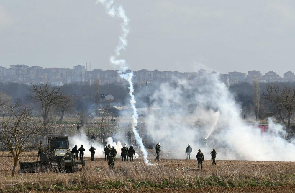 Türgi-Kreeka piiri kohale kerkisid pisargaasipilved, pinged endiselt laes