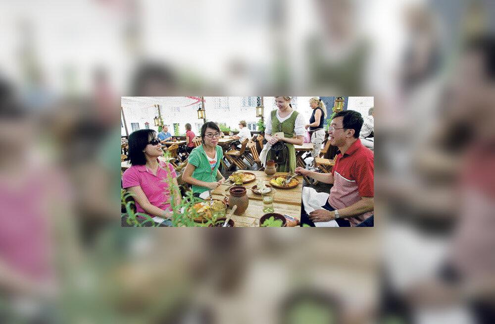Turistid kiidavad Tallinna teenindajate keeleoskust