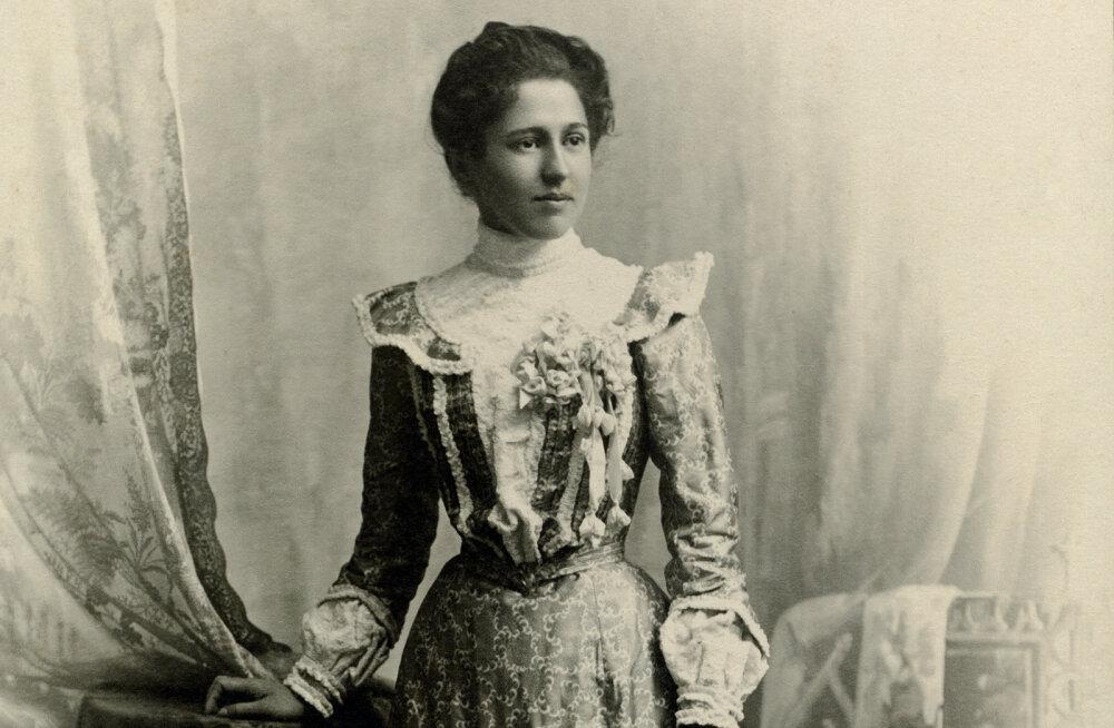 Paelussidieet, ninamasinad ja näovalgendus: 10 šokeerivat Victoria-aegset ilutrendi, mis sandistasid naisi
