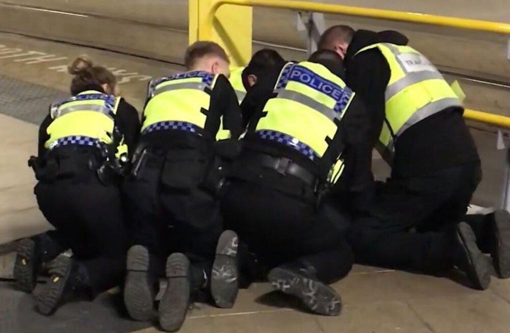 Manchesteri rongijaamas pussitati vana-aastaõhtul kolme inimest