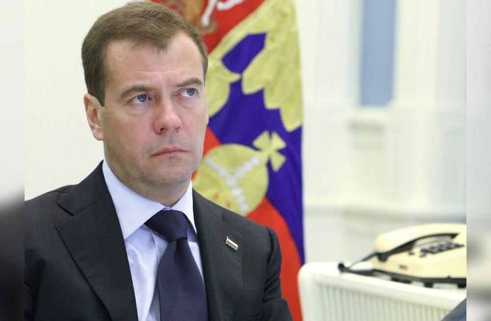 Медведев выразил Ильвесу соболезнования в связи с трагедией в Хаапсалу