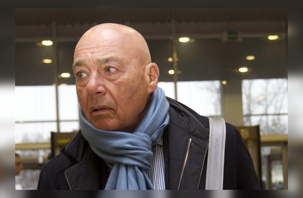 СКАНДАЛ: Познер, Быков и Акунин отказались прийти к Путину на вручение премий