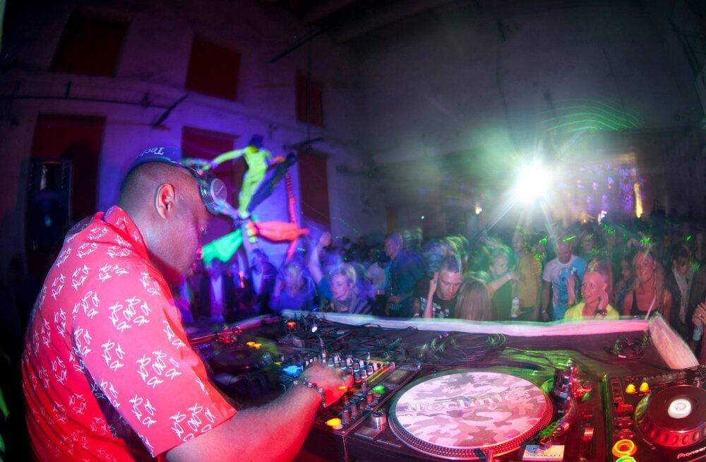 Kae üle! Elektroonilise tantsumuusika festival Patareiv tähistab oma 10. sünnipäeva suure peoga
