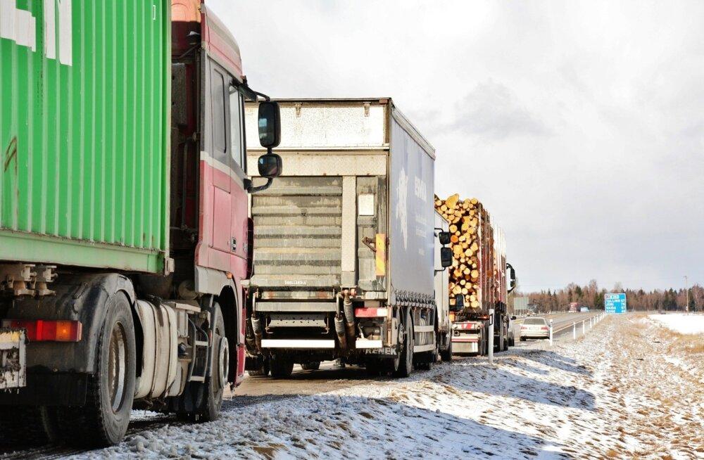 Politsei: Eesti teedel liiguvad veokid, mille tehniline seisukord on kohutav