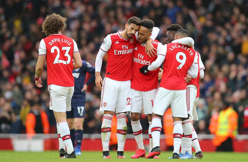 Arsenali mängijad keeldusid palgakärpest, klubi otsib kuldset keskteed