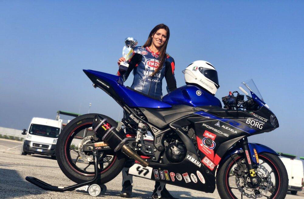 Anastassia Kovalenko saavutas Yamaha R3 karikasarjas kokkuvõttes kolmanda koha