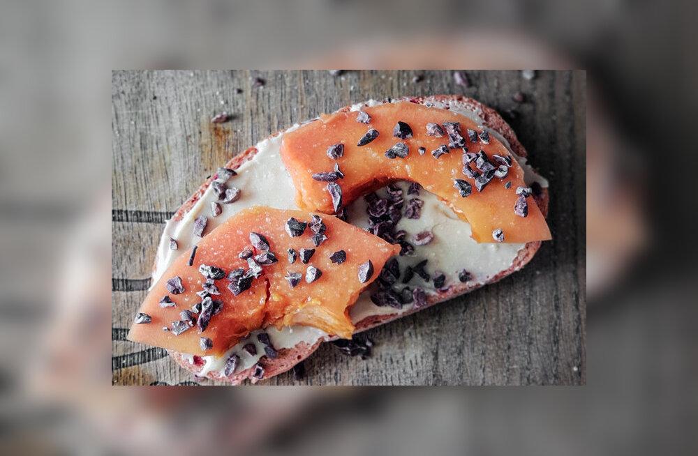 RETSEPT | Hommikusöök blogijaga Paljas Porgand: hõrk võileib eksootiliste lisanditega