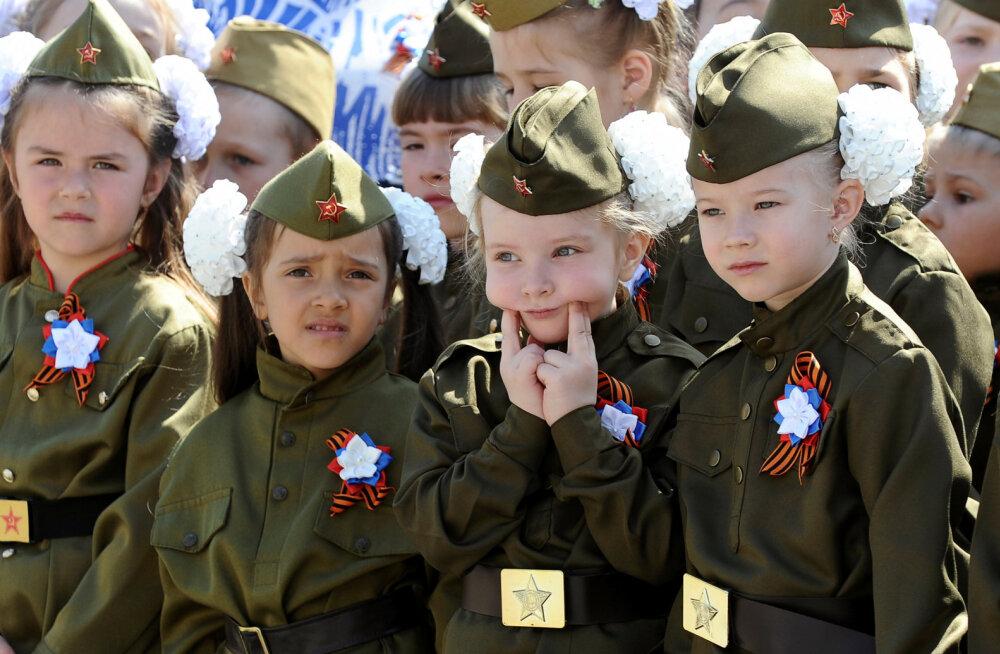 Почему нельзя наряжать детей в военную форму? Объясняет психолог