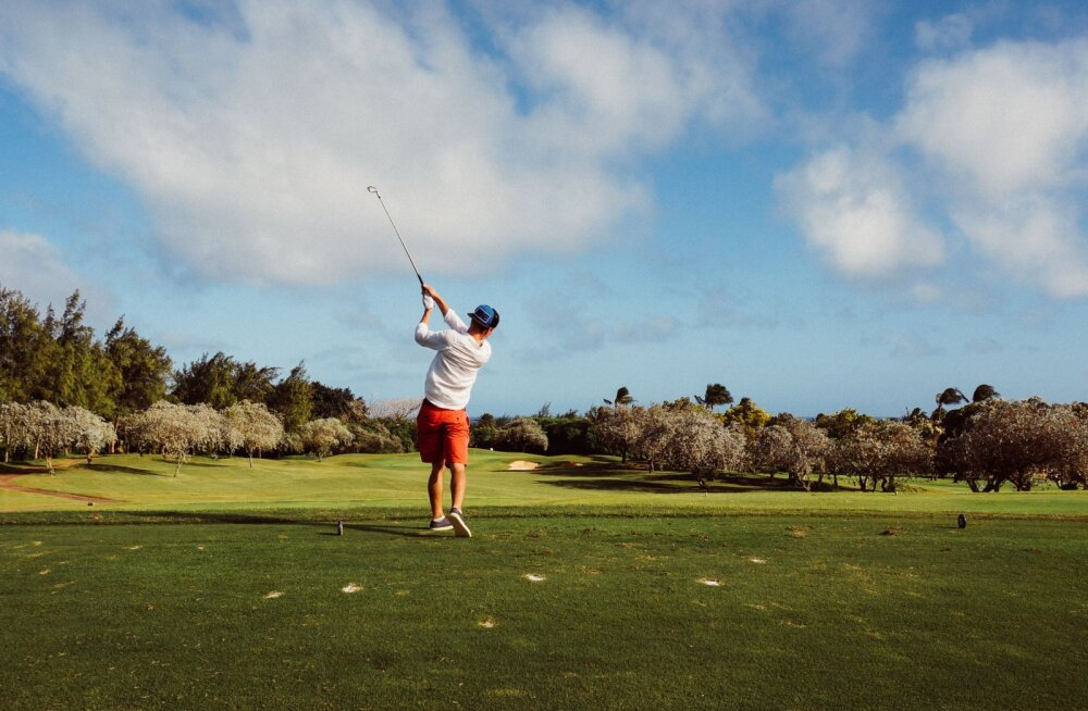 Golfi saab mängida äripartnerite ja sõpradega, kuid ka terve perega. Golf on suurepärane võimalus, kuidas oma väärtuslikku aega mõnusalt, sportlikult ja emotsionaalselt veeta.