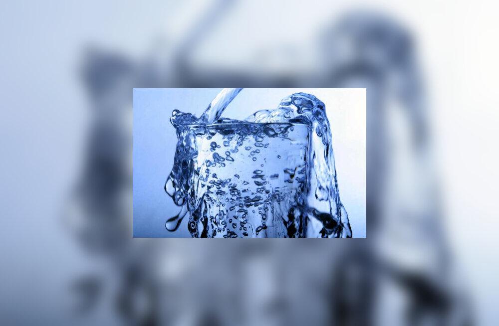 Paastu ajal on kasulik juua rohkesti sisetunde järgi karboniseerimata vett