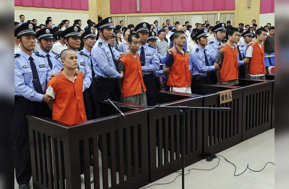 Hiina võimud mõistsid surma neli uiguuri