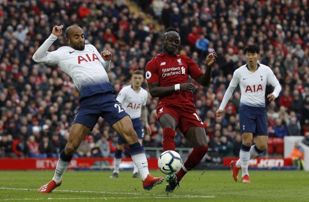Tottenham (valges) ja Liverpool asuvad laupäeval heitlema Meistrite liiga trofee nimel.