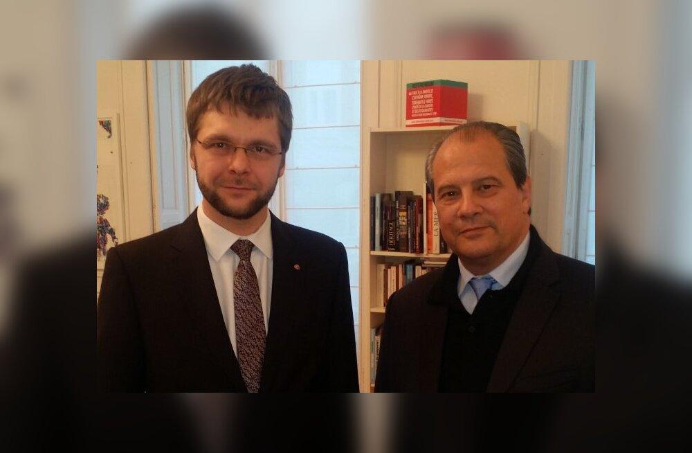 Ossinovski kohtumisel Prantsusmaa sotside liidriga: radikalismi vastu aitab kõigi kodanikeni jõudev majanduskasv