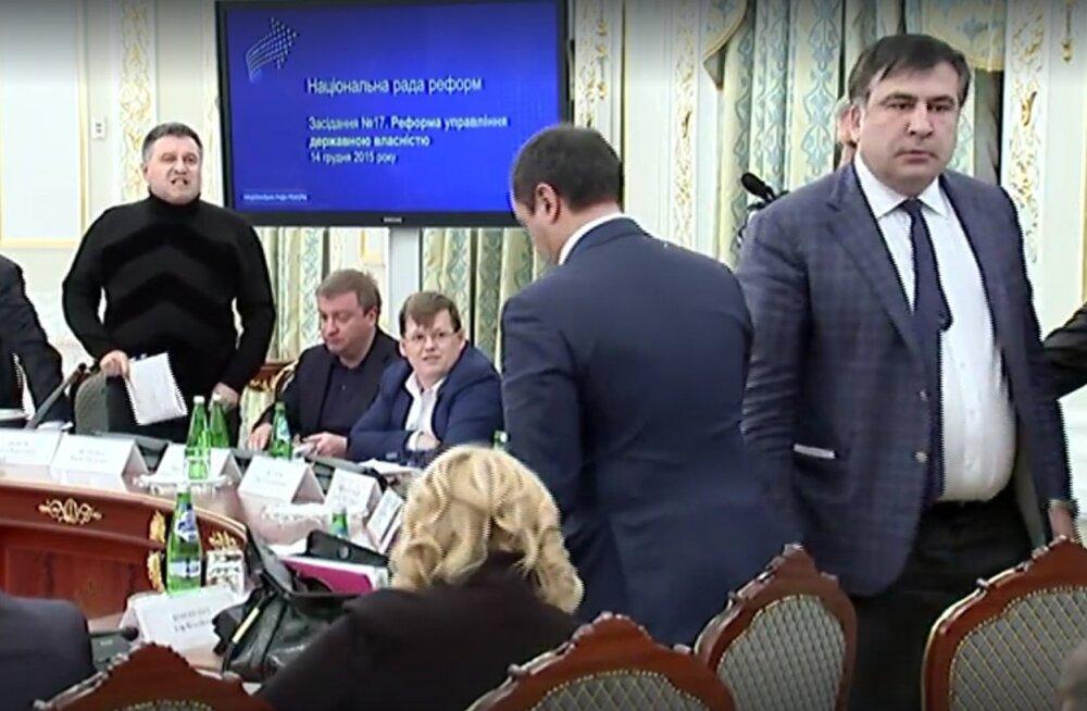 Ukraina siseminister Avakov kaebas Saakašvili kohtusse