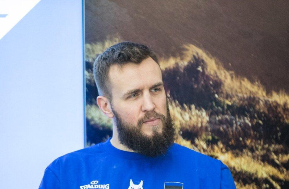 Talvel jättis Janar Talts hüvasti Eesti koondisega, kevadel riputas aga mängijana ketsid päriselt varna. Korvpalli juurest ei kadunud ta aga kuhugi.