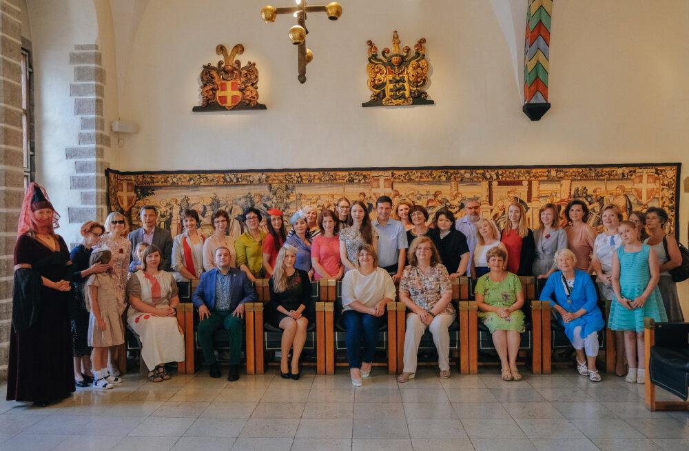 Таллинн приветствовал главных организаторов Тотального диктанта