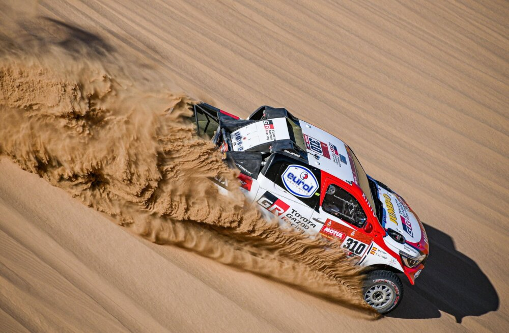 Fernando Alonsot tabas Dakari rallil suur tagasilöök