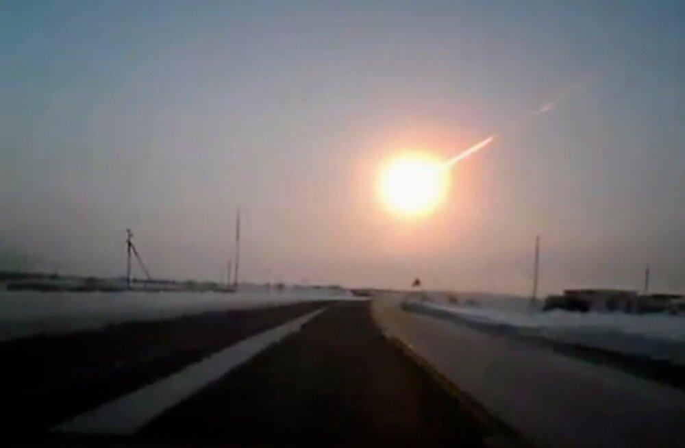 """""""Я думал, что он упадет на землю"""": в Эстонии видели метеор?"""