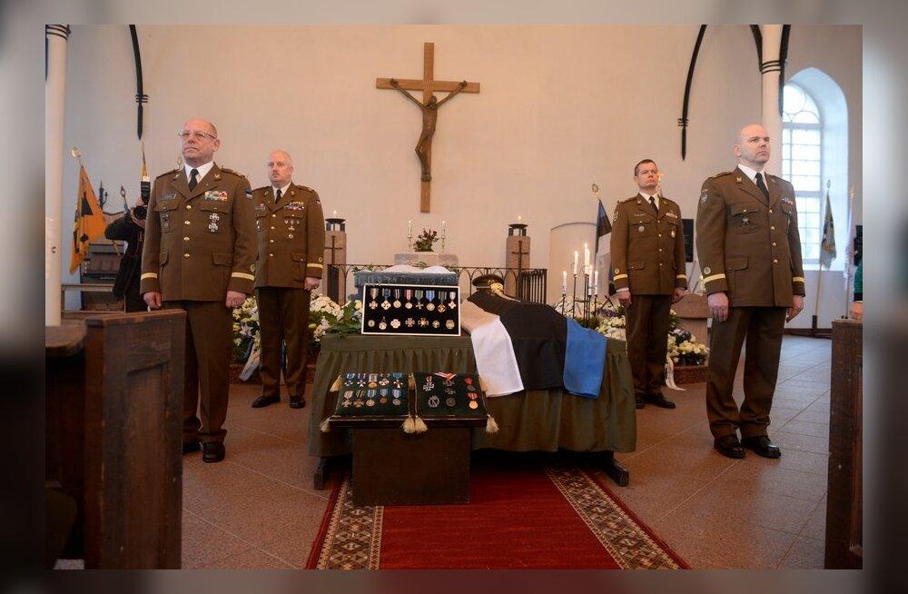 ФОТО DELFI: В Тори простились с последним эстонским кавалером Железного креста
