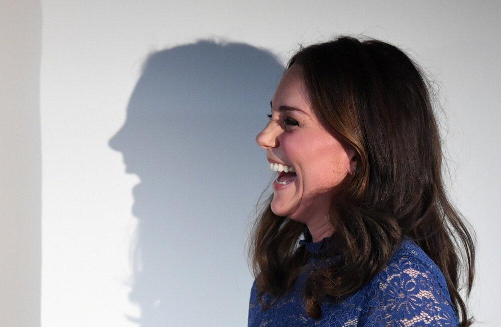 FOTOD   Miks on Cambridge'i hertsoginna Catherine'il seekord palju suurem beebikõht võrreldes eelmiste rasedustega?