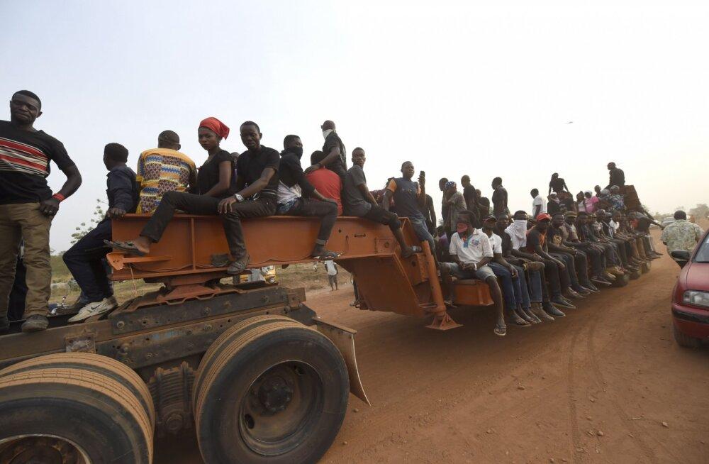 Nigeerlased lähevad ise Nigeeria kirjade õnge
