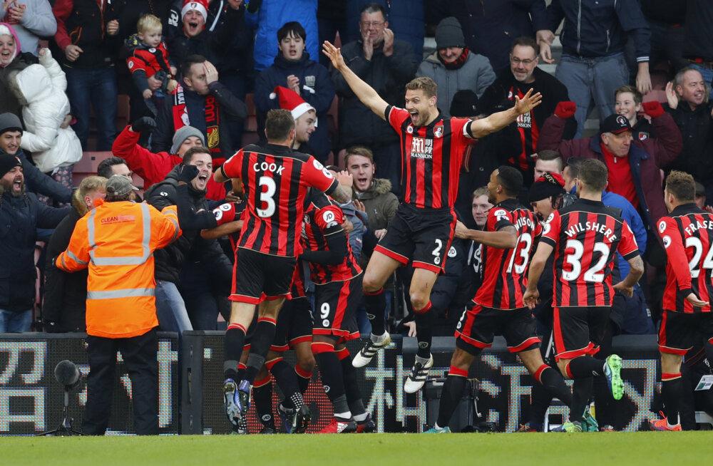 Bournemouthi mängijad juubeldavad