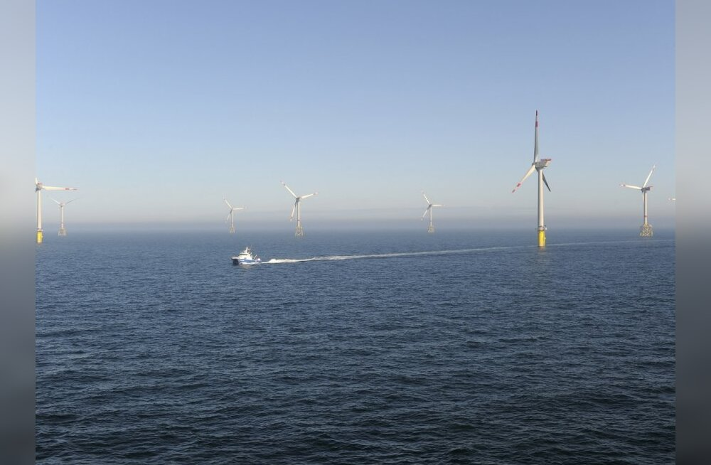 An aerial view of the offshore energy park Alpha Ventus in the North Sea, about 45 kilometres (27 miles) north of the island of Borkum, April 27, 2010. The Alpha Ventus wind farm with 12 5-Megawatt-class wind energy mills, starts its production on Tuesday