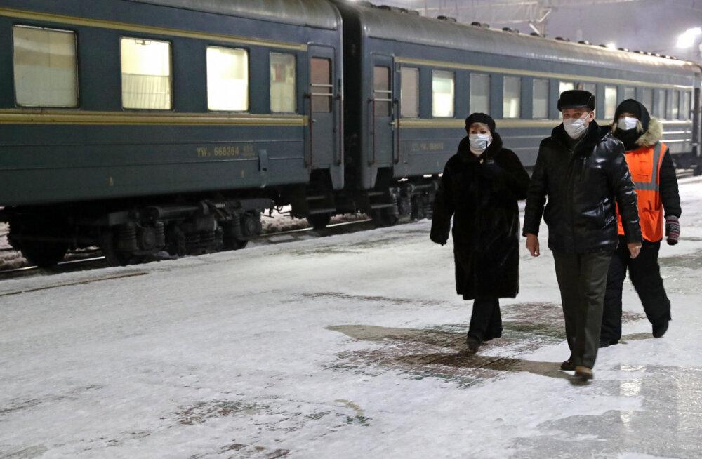 Из-за коронавируса Россия временно отменила все пассажирские поезда в Китай