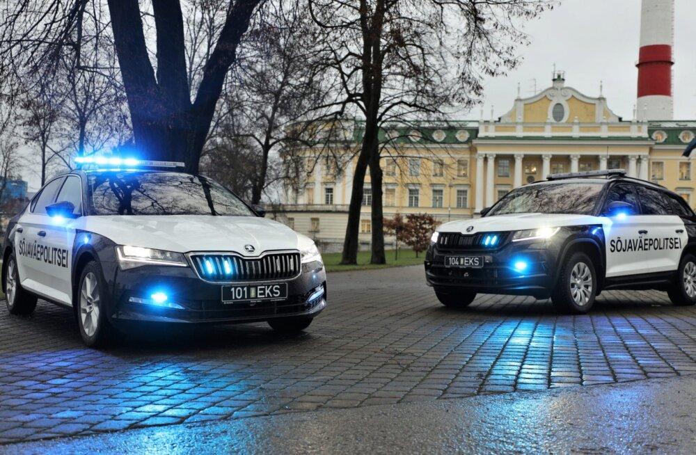 Lase kolonn läbi! Sõjaväepolitsei hankis uued alarmsõidukid