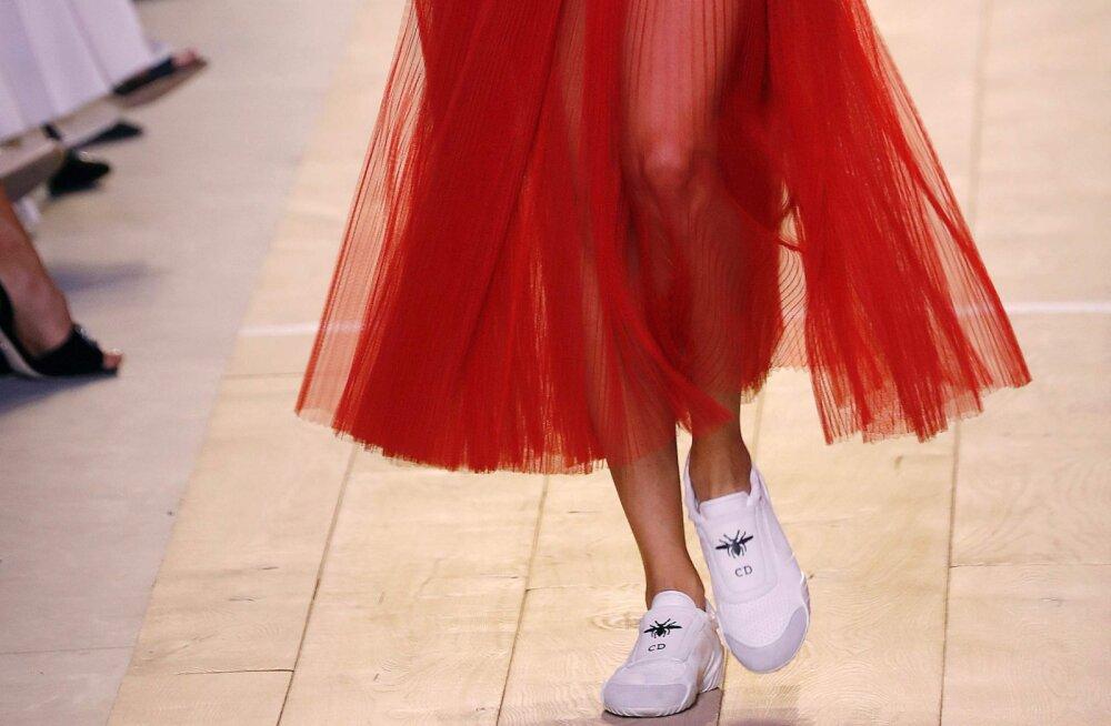 Moekad ja mugavad: 12 kinga- ja tossupaari, mis on praegu eriti trendikad