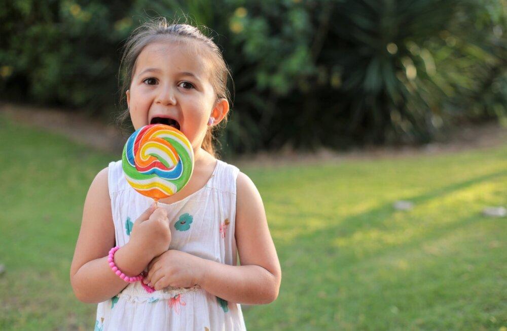 Kui laps on vaid 2-3 nädalat maal vanavanemate juures, siis las söövad seda magusat nii palju kui süda lustib
