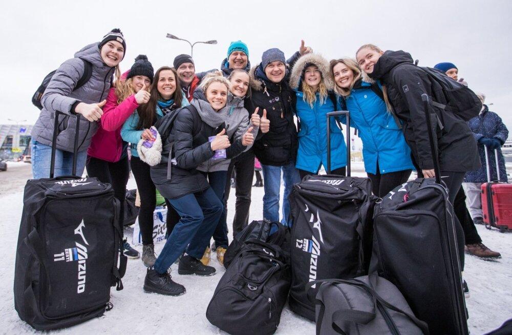 Võrkpalli naiskond saabus Soomest