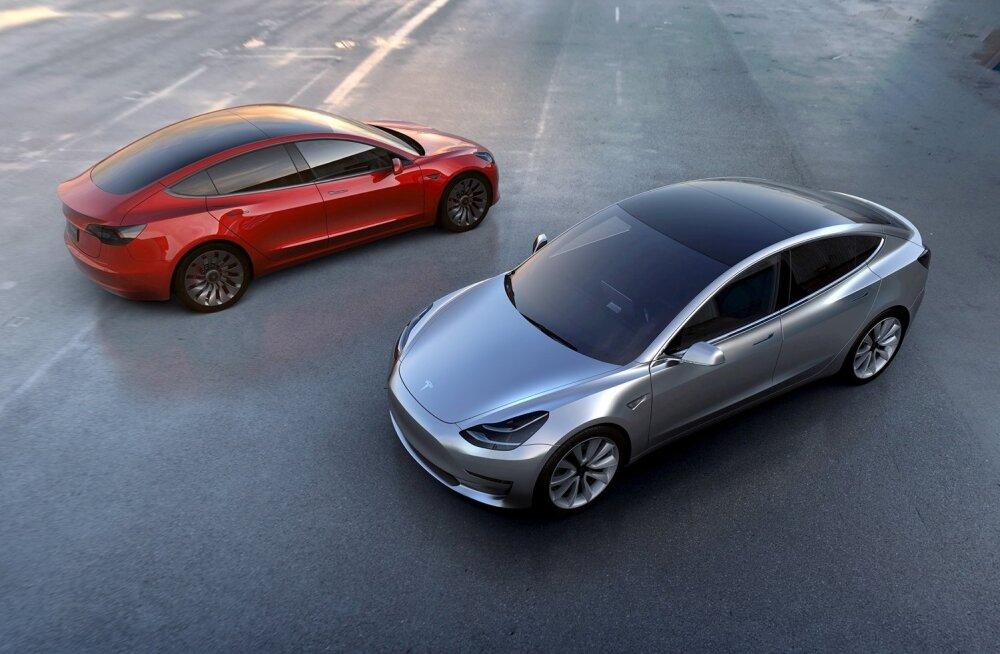 Tesla Motorsi massiturule mõeldud Model3 elektriauto.