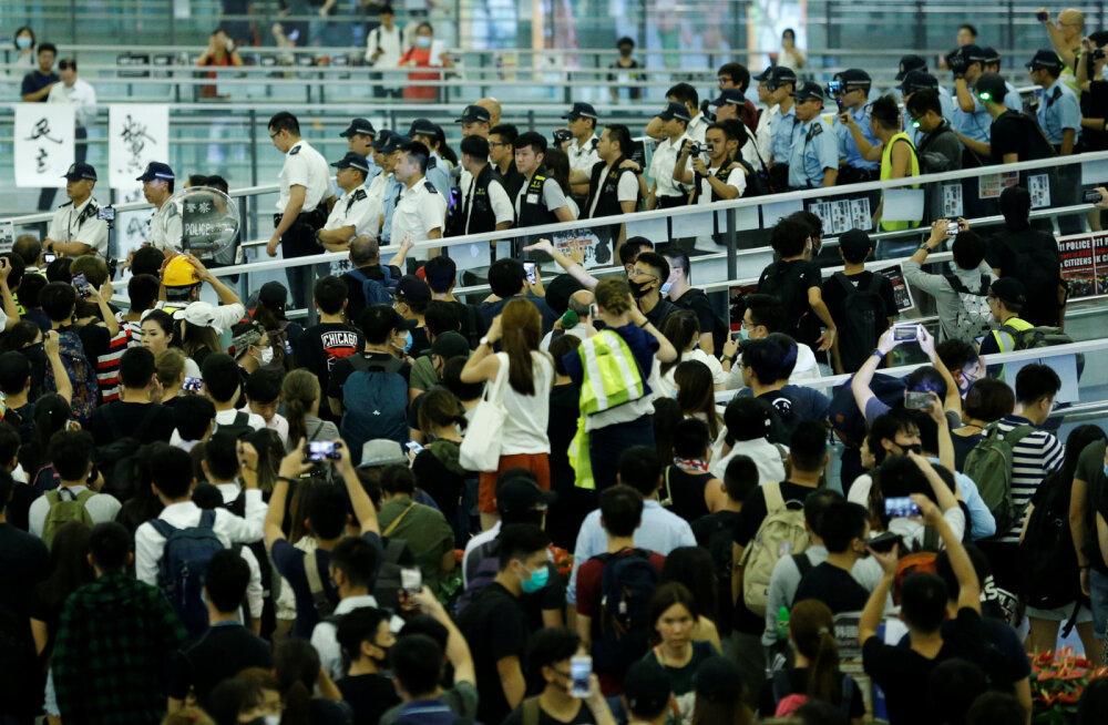 Hiina võrdles Hongkongi meeleavaldajaid terroristidega, riiklik meedia kutsub tegutsema