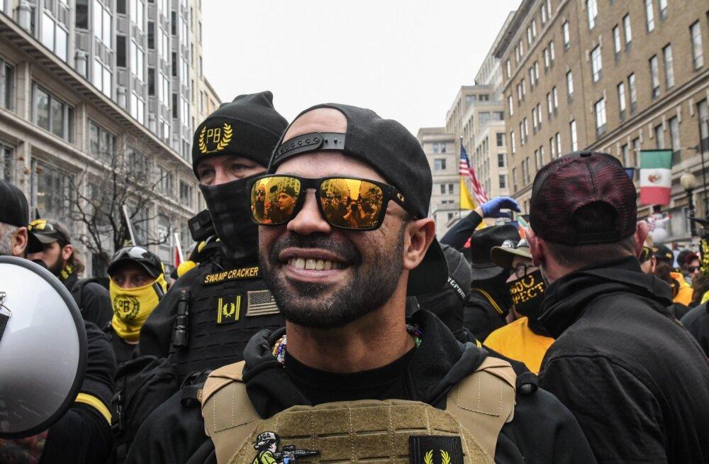 USA-s vahistati BLM-i lipu põletamise eest paremäärmusliku Proud Boysi juht