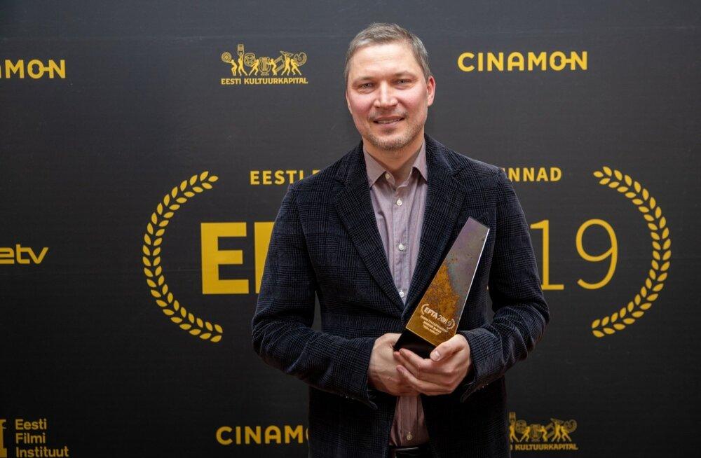 EFTA 2019 parim stsenarist. Martin Algus on üks töökamaid inimesi Eesti seriaalimaailmas - puhkepäevi tal kuigi sageli ei ole, see töö nõuab lõviosa ka näite- ja romaanikirjanikuna tuntud mehe elust.