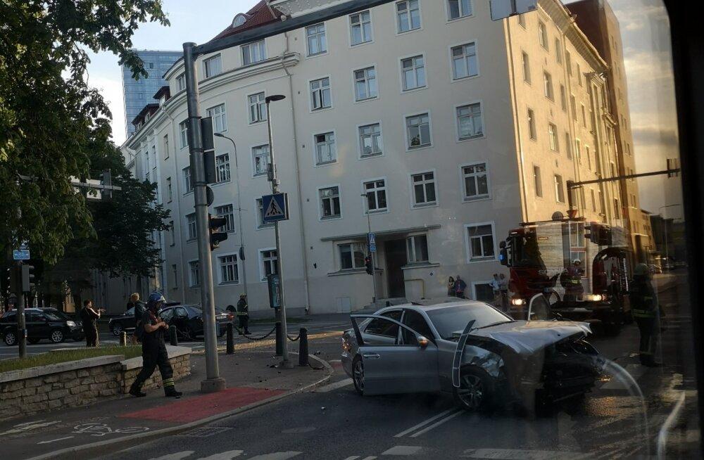 Liiklusõnnetus Tallinnas Gonsiori ja Pronksi tänavate ristmikul