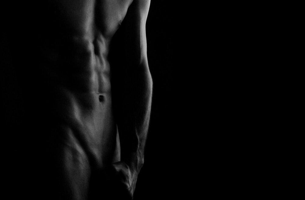 Aitab igavast seksist: mees, vabane kompleksidest ja lase kallim enda eesnääret masseerima!