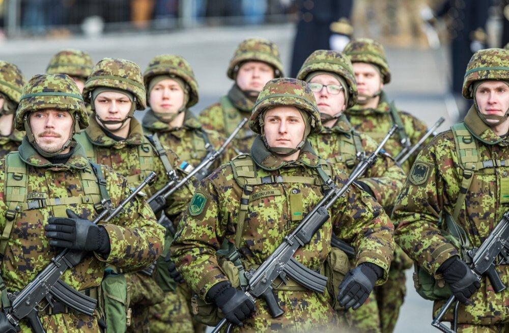Eesti Vabariigi 99. sünnipäevale pühendatud kaitsejõudude paraad toimus Tallinnas Vabaduse väljakul.