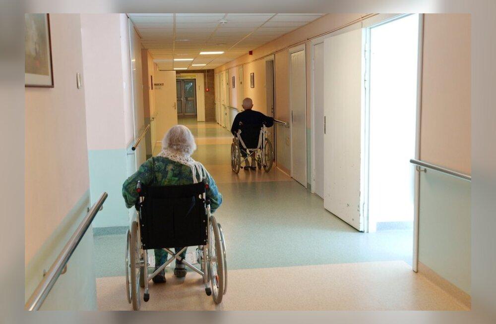 FOTOD: Keila haigla uurib võimalikku vanurite peksmist